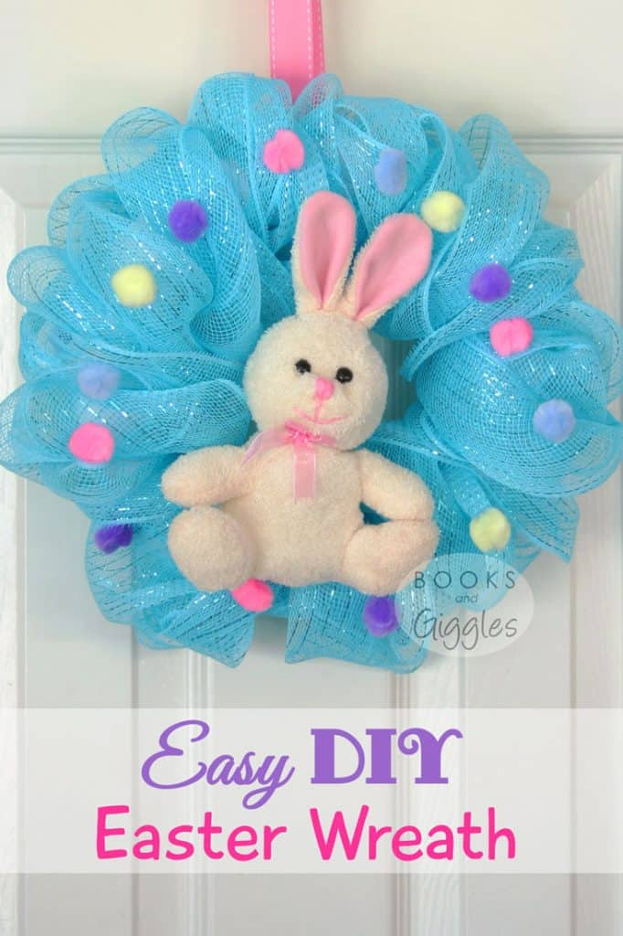 How to make a simple Easter Bunny wreath - full tutorial. Most of the materials came from the dollar store! A sweet decorations for kids.