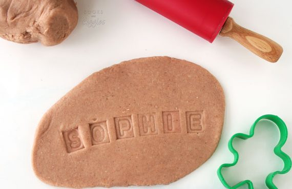 gingerbread-man-sensory-name-activity