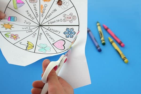 paper-plate-craft-calendar