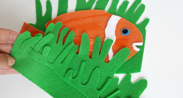 fish sensory play with felt