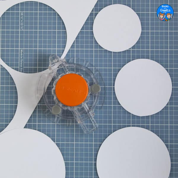 circle cutter with 3 sizes of circles cut out